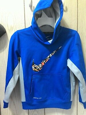 Boys Nike Therma fit size 7 hooded sweater shirt