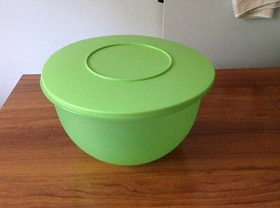 Tupperware Impresssions Salad Bowl 4.3 ltr and serving spoons Green Large