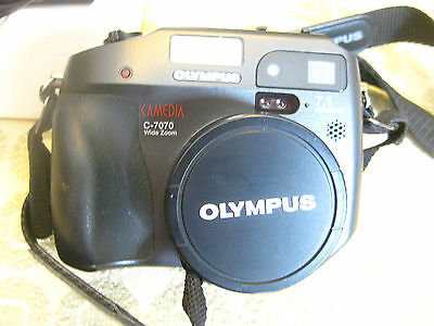 "Olympus ""camedia"" Digital Camera - C7070 Wide Zoom In Excellent Condition"