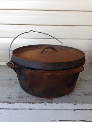 Camp Oven Cast Iron / Dutch Oven
