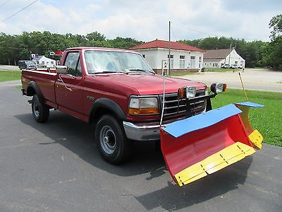 1997 Ford F-250  1997 Ford F250 4X4  Plow & Spreader  Only 52k miles!
