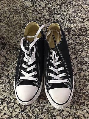Black and white converse - men's  size 9 1/2 New In Box