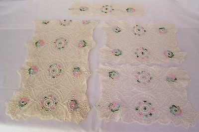 VINTAGE Lace Runner /Doilies