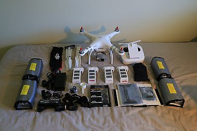 DJI Phantom 3 Advanced + 4x Batteries and extras