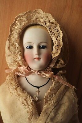 Antike Porzellan Modepuppe Parian Glasaugen antique fashion doll Biedermeier