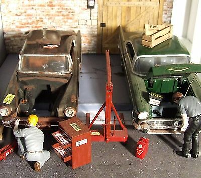 2D diorama + 1953 & 1957 Chevy Bel Air + access. die cast car 1/24 Collectible