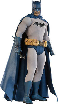 BATMAN - Batman 1/6th Scale Action Figure (Sideshow) #NEW