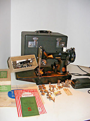 Singer 221 Featherweight Sewing Machine In Case W/ Keys & Accessories 1949