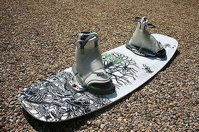 Liquid Force Press Series 136 Shane Bonifay Board & Ultra Bindings