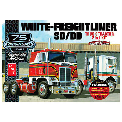 White Freightliner 2-in-1 SC/DD Cabover Tractor 1:24  (75th Anniversary) AMT1046