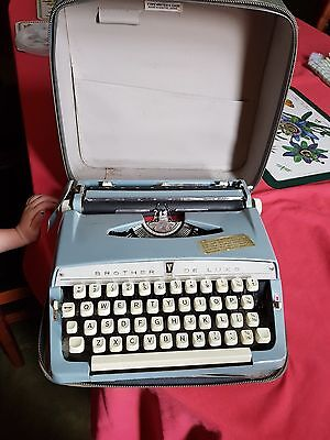 Vintage Brother deluxe typewriter good condition