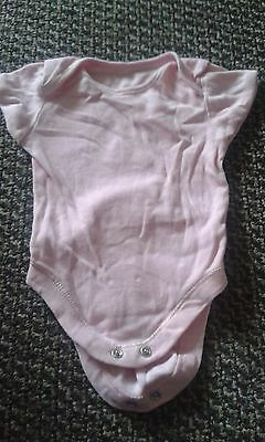 2 x baby vests 0-3 months - used - excellent condition