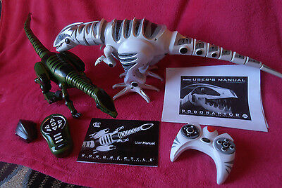 ROBOTS x 2 WOWWEE ROBORAPTOR & ROBOREPTILE GOOD WORKING CONDITION (PICK UP ONLY)