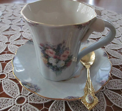 Lovely Hand Painted China Cup/saucer/teaspoon