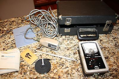 IRD Model 306 Portable Vibration Meter Maintenance Reliability Case Probe Manual
