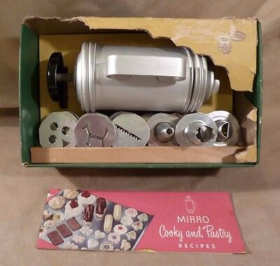 Vtg MIRRO COOKY COOKIE PASTRY PRESS ~ 12 Plates 3 Pastry Tips AND Recipe Book