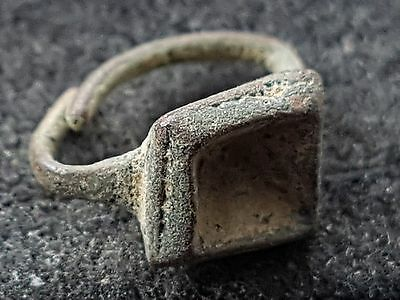 Tiniest of Roman bronze finger ring found at Villa site in Yorks. Britain L38p