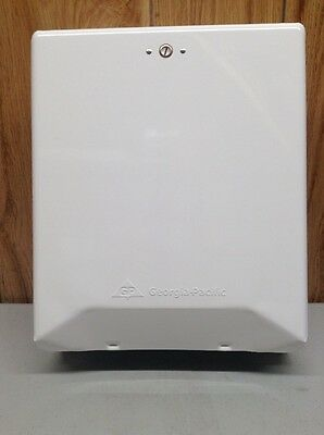 Paper Towel Dispenser, Georgia-Pacific, 56601. White.