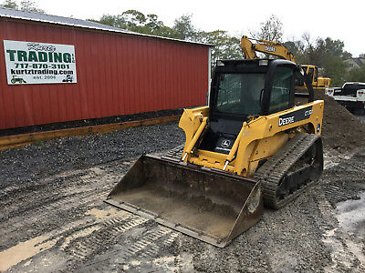 2006 John Deere CT322 Tracked  Skid Steer Loader w/ Cab. Coming In Soon!
