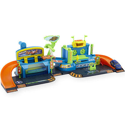 Fast Lane Colour Change Car Wash Playset, Only at Toys R Us