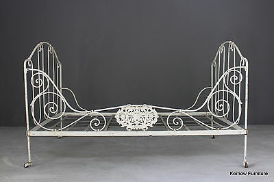 Antique Vintage French Day Bed