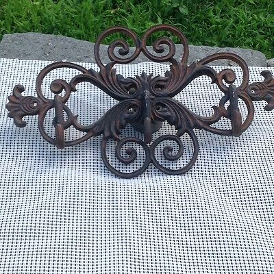 Vintage Cast Iron Hat Coat three Holder Rack Hanger  Wall Decorative