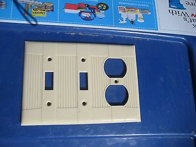 Vintage ** EAGLE ** 3-Gang 2 Toggle 1 Duplex Combination Wall Plate Set of 1 USA