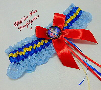 Disney Snow White Lace Bridal Wedding Garter. wicked witch. prince. 7 dwarfs