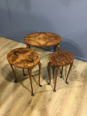 Stunning Quality Queen Anne Style Pad Foot Oval Nest Of Three Tables
