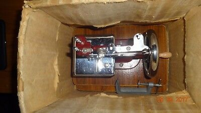 Vintage Maroon Miniature Essex Hand Sewing Machine Chain Stitch in original box