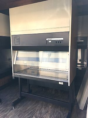 Biosafety Cabinet (4 ft BSC Lab Hood): Labconco 36209 with Stand
