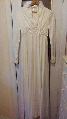 Vintage 1971 Giuseppe White Wedding Dress & Veil #82 Long Sleeve