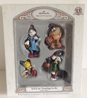 2007 Hallmark HALLOWEEN Ornaments LOONEY TUNES Trick or Treating in Oz