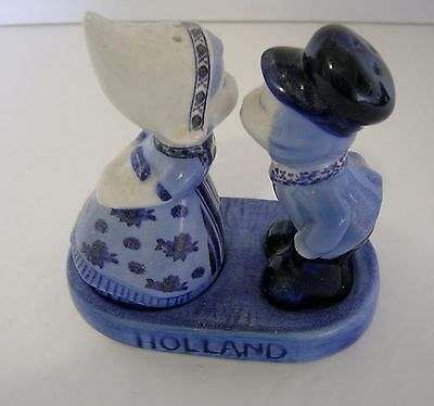 Salt and Pepper Shaker Set Souvenir from Holland Kissing Couple Boy & Girl Blue