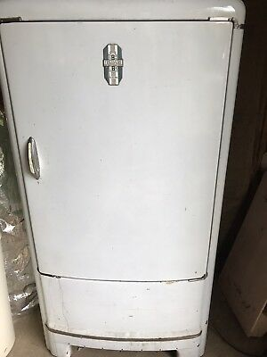 General Motors Frigidaire The Cold Wall Fridge Vintage