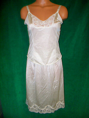 Bali Pale yellow camisole 32 & half slip sz M Wst 23.5 unstretched length 22.5
