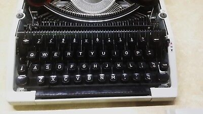 Silver Reed Typewriter SR 100 TABULATOR IN GREAT Condition just Need ribbon.