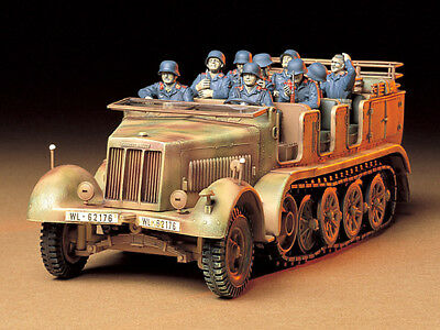 Tamiya 35148 1/35 Model Kit WWII German 8Ton Semi-Track Sd.Kfz.7 w/8 Figures