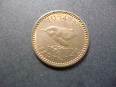1954 Farthing Coin, Queen Elizabeth The Second In Good Used Condition, Bronze.