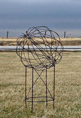 Wrought Iron Small Garden Ball Tower Structure Garden Accents Lawn Decor