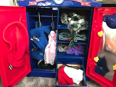 Build a Bear wardrobe bundle, 5 bears, spare clothes and a travel seat