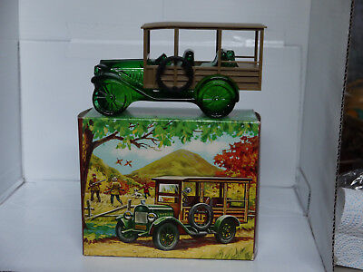 AVON VINTAGE STATION WAGON with TAI WINDS AFTER SHAVE  - NIP  RARE