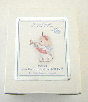 2013 Precious Moments Figurine Peace On Earth And Goodwill To All #131002 Enesco
