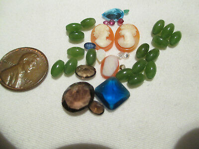 Lot of Very Small Stones and Decorative Stones  0828-3