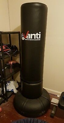 170cm free standing punching boxing bag Avanti - excellent condition