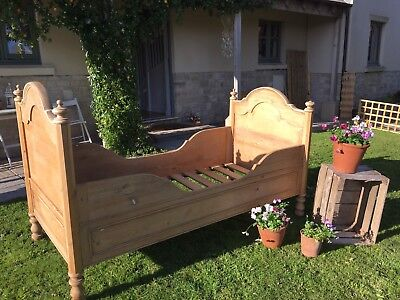 Vintage Pine Daybed Sleigh Bed Single