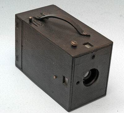 125 year old super rare Kodak Daylight Model C string set camera, Nice cond.