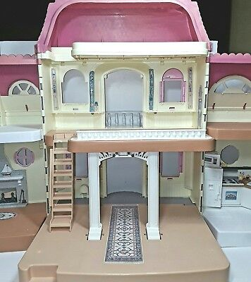 Fisher Price Loving Family toy doll house dollhouse Vintage 1997 1990s