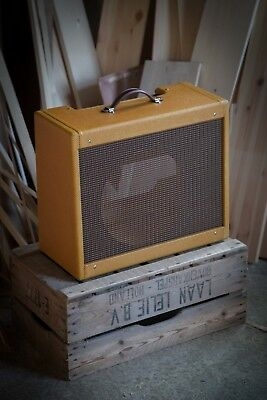 5F2a Tweed Princeton cabinet (amplifier and speaker NOT included) 12 inch combo