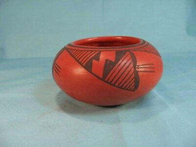 Vintage Hopi redware pottery jar signed Laura Tomosie (d), very nice condition